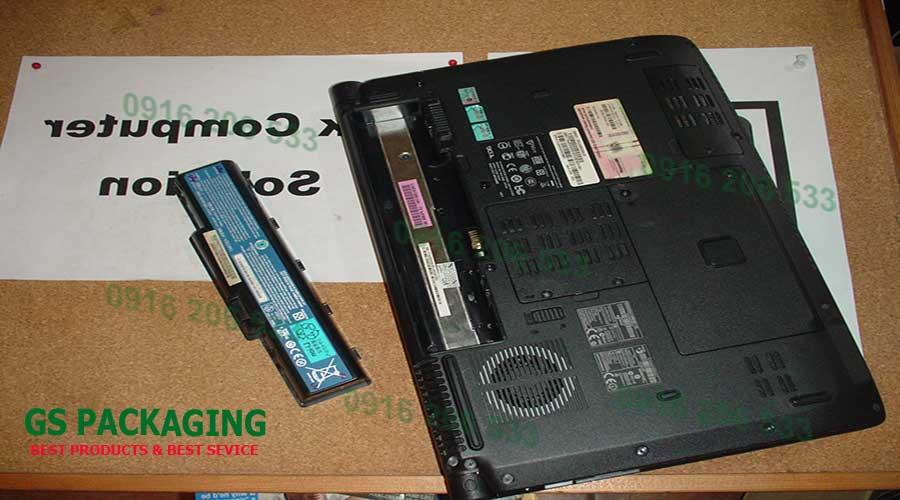 Tách riêng viên Pin khỏi laptop trách cháy nổ