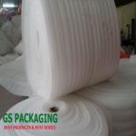 Cuộn mút xốp màu trắng dầy 5mm