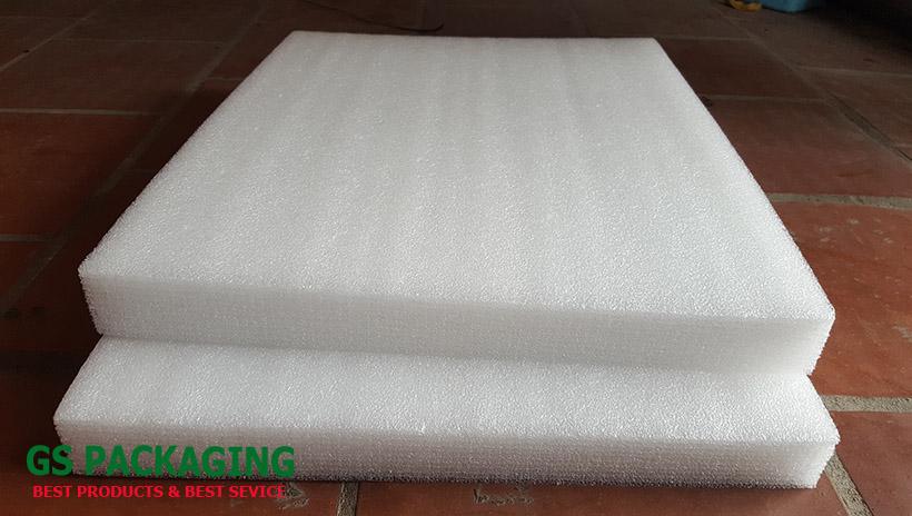 xốp 5cm dạng tấm màu trắng bán tại số 8 ngõ 76 Linh Lang, Ba Đình, Hà Nội