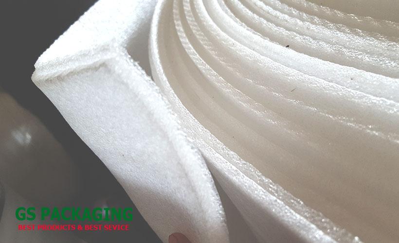 hình ảnh cuộn mút xốp pe foam màu trắng 10mm ép 2 lớp màu trắng